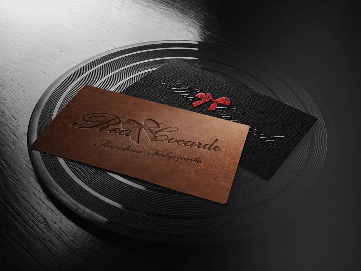 Prezentacja logo na wizytówkach - Red Cocarde