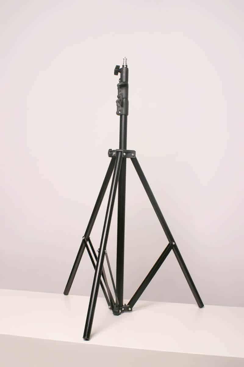 Wynajem studia fotograficznego - statyw pod lustrzankę cyfrową