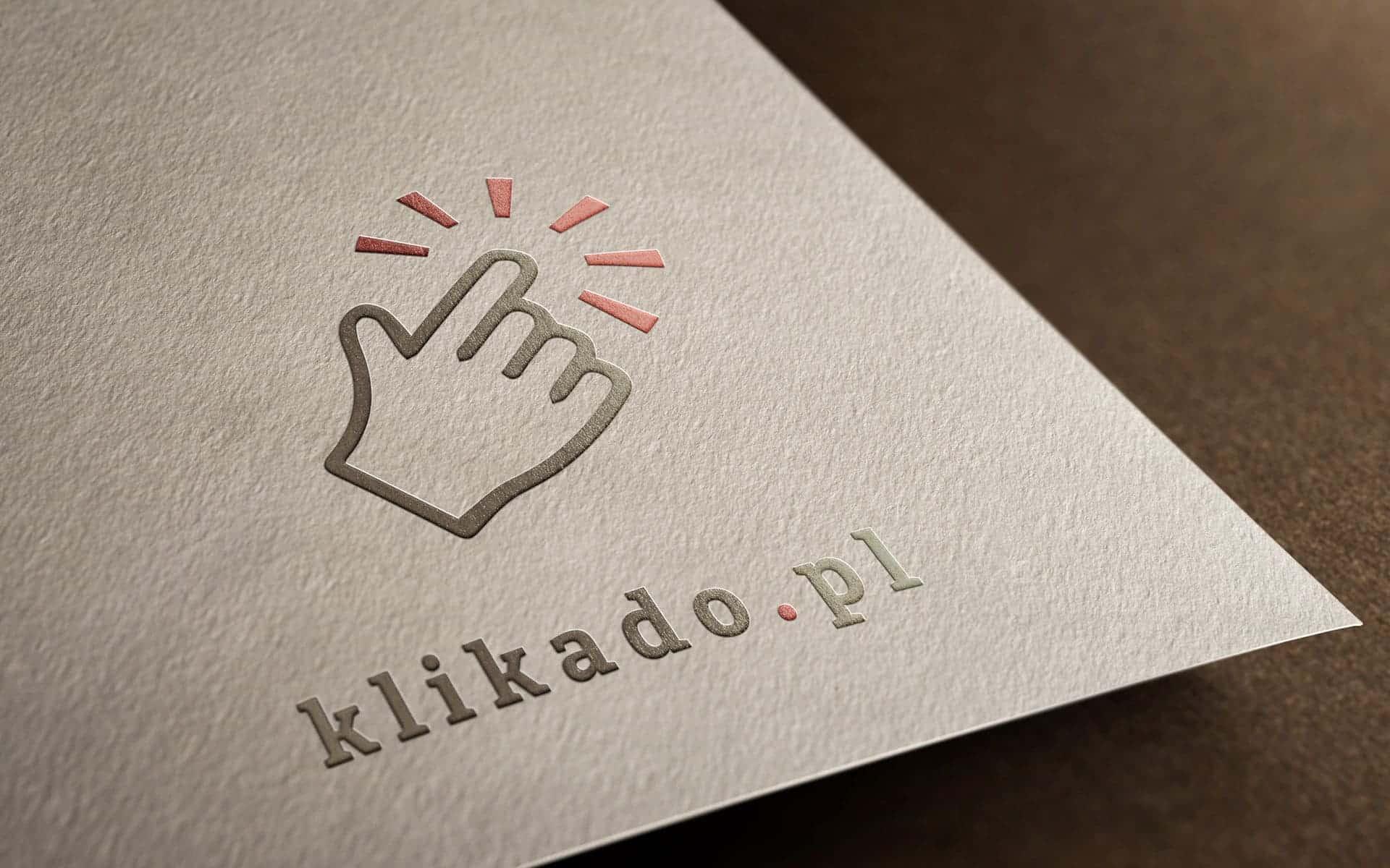 Tworząc logo, warto zastanowić się jak będzie prezentować się na różnych powierzchniach
